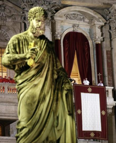 una-statua-di-piazza-san-pietro
