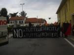 2014 06 02 antimilitaristi a Caselle (25)