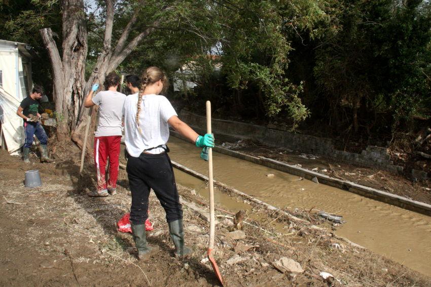 Alluvione a Livorno: la solidarietà dei cittadini – anarres-info